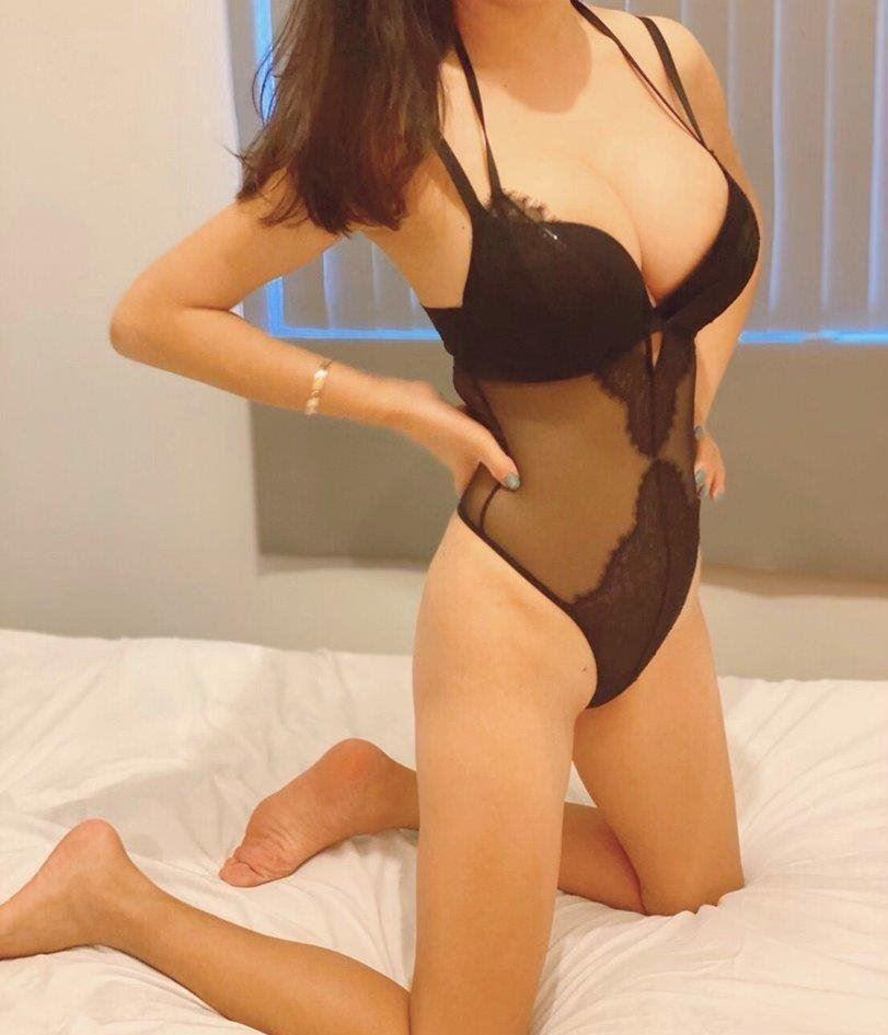 Young and Fresh Excellent SUCK Great Massage Come Try my skills!