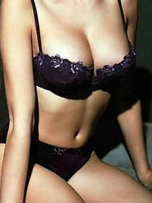 ArisaRecently 100% Genuine pic. Hot Asian Lingerie Model. Video Chat Available.