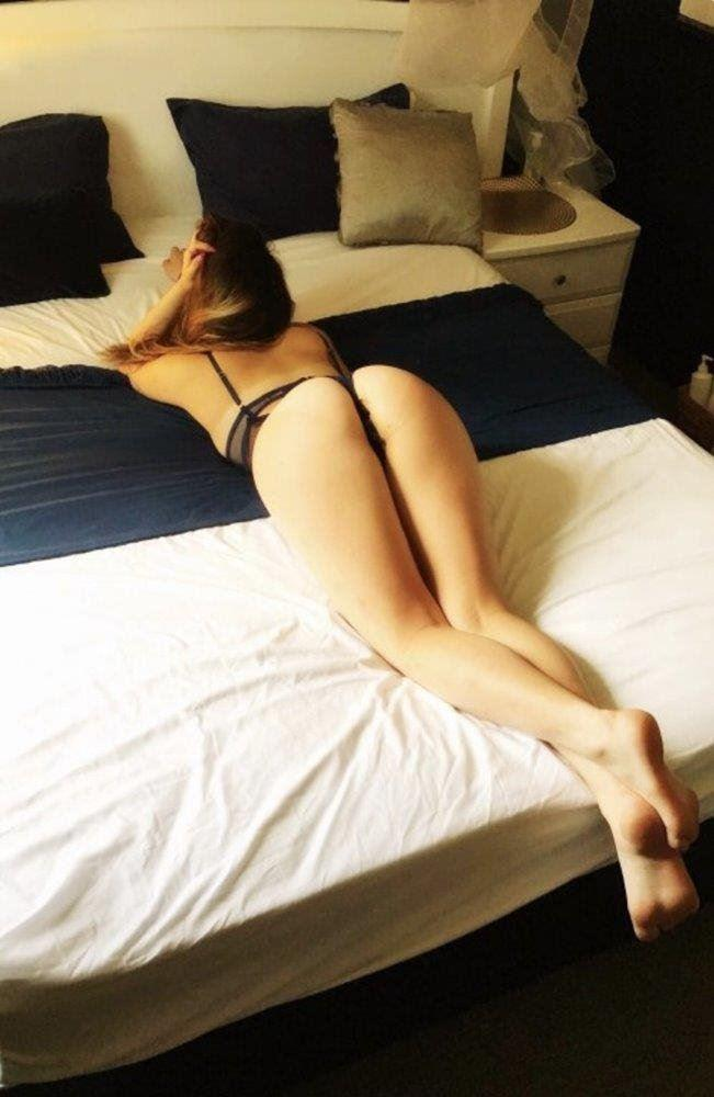 Hot, friendly 20 year old babe!
