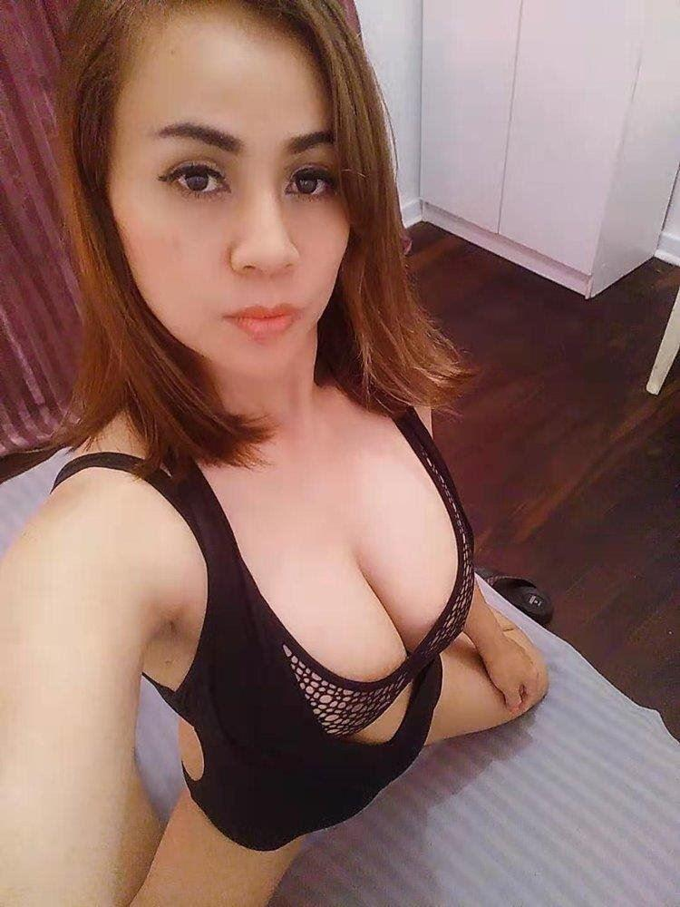 babe Busty DD sexy young girl impressive service New in town attractive