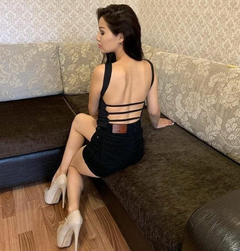 Well educated. Stunning Sexy Tracy enjoy party