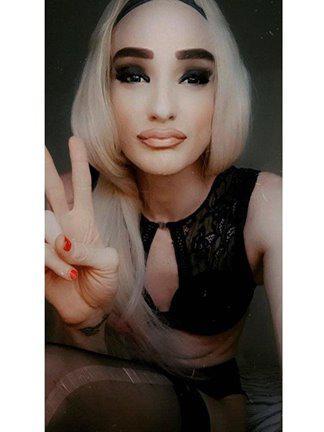 Aussie Trans Faye - HUNG TS VERS