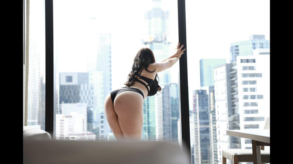 Annabelle busty goddess incall/outcall available