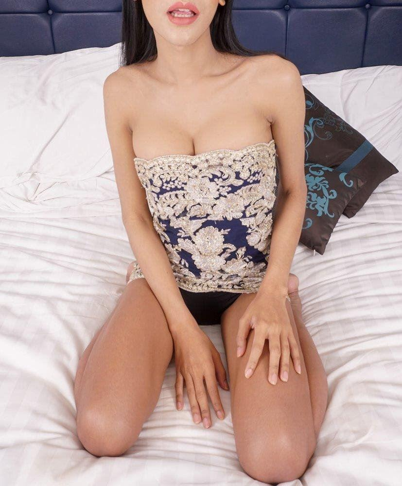 ASIAN/PORTUGUESE HALFCAST (SELFIES+SELFIESTICK) SOFT NATURAL 36DD B(O)(O)BS - I am Tabitha, ¼ Port