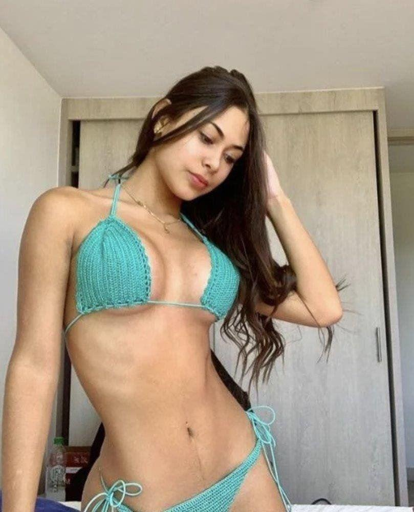 Sexy QUEEN offers top service 💞 24 hours available!!! Come Enjoy your time with me !!😘