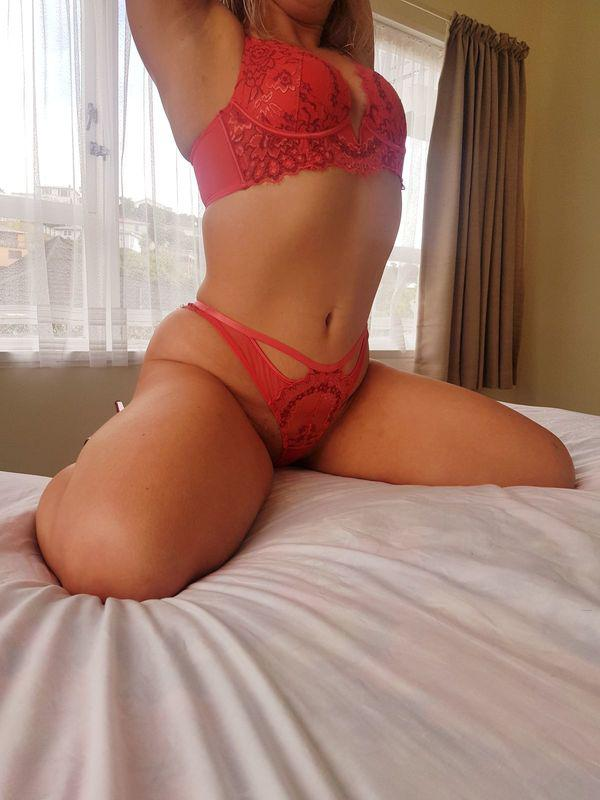 Ashley10am - 8pm