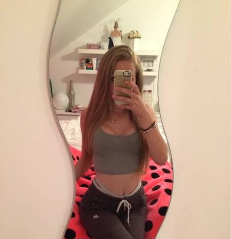 Outcall Party Girl ! Busty Teen Wants A Daddy ;)