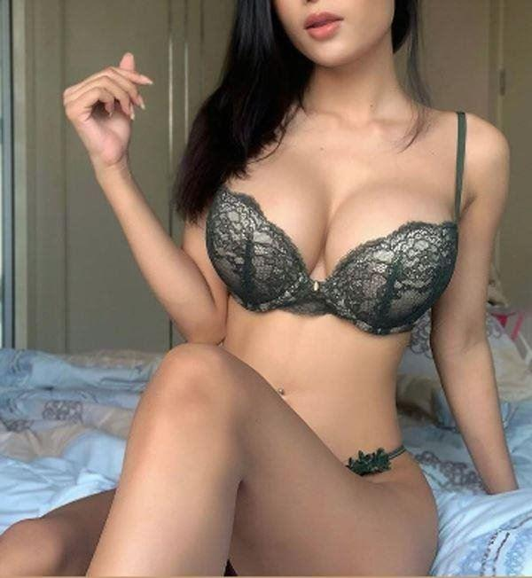 Real Young Busty Girl,New to surfers Call 0420323118 Top Escort ,38DD, Real Young ,top service