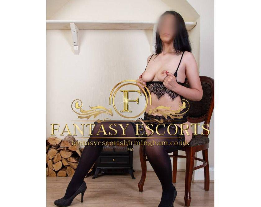 MADDY new sexy escort OUTCALLS in Leicester and UK 24-7