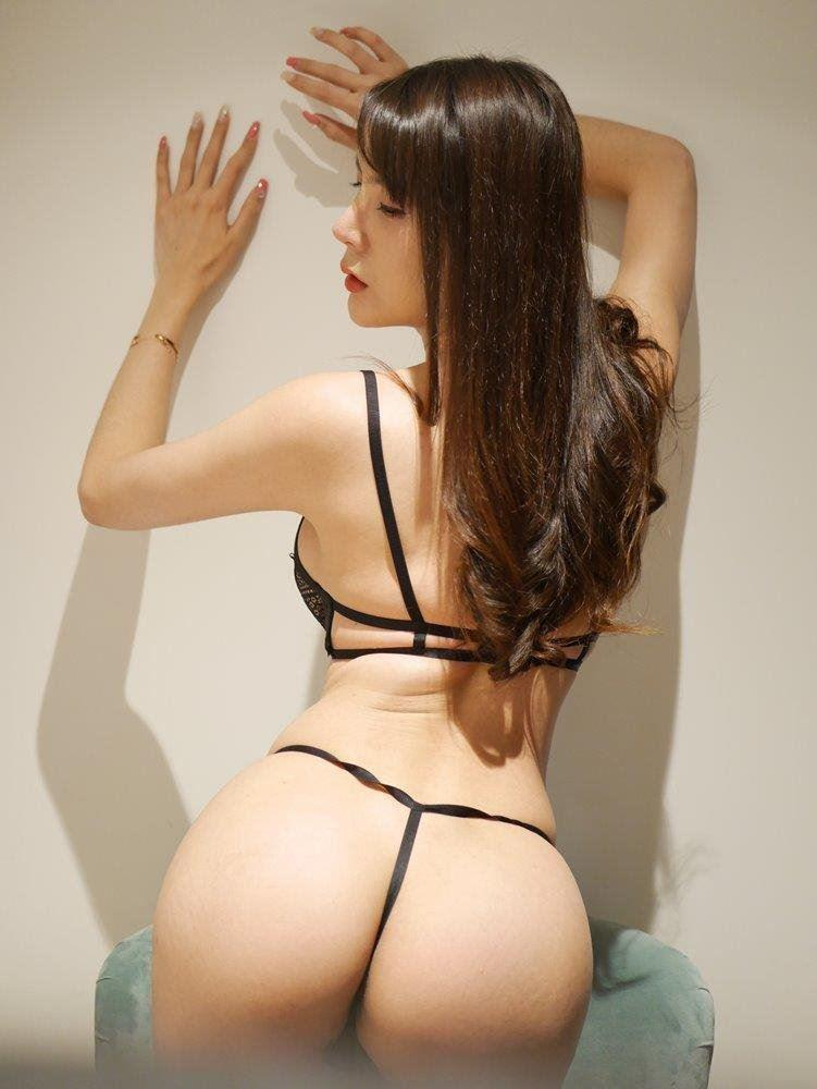 Hot sexy Asian Transexual Top&Bottom Available now 0431767859