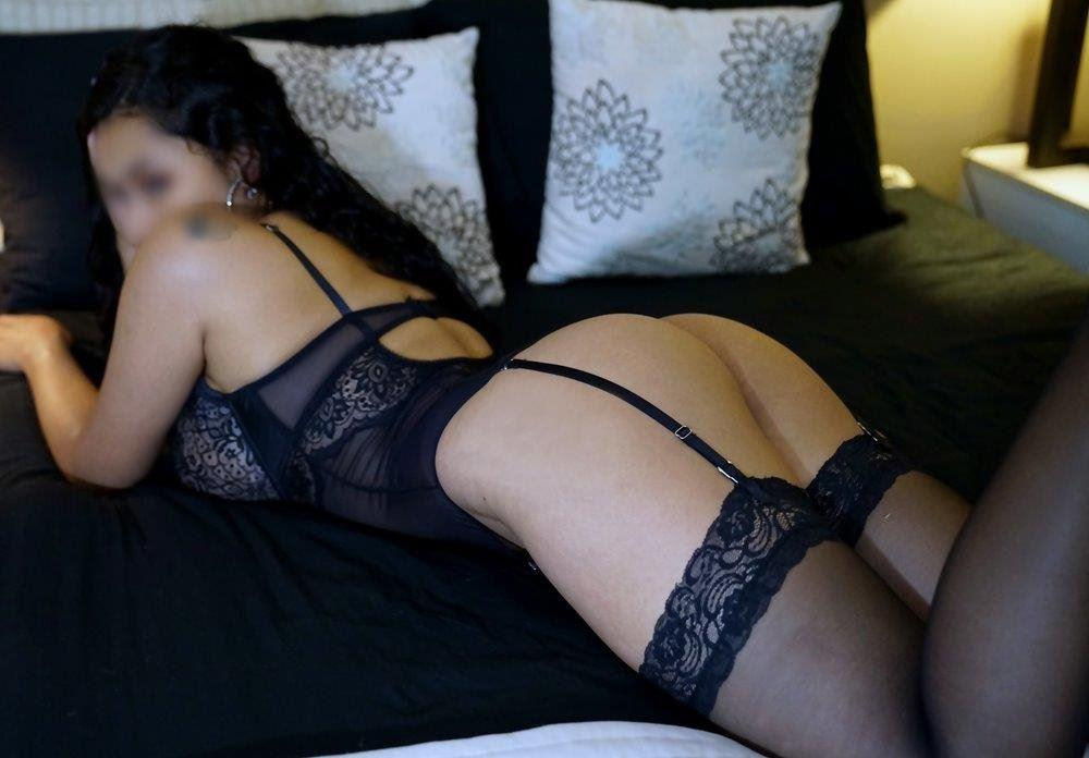 Just Started! Sultry 19yr Old Colombian Babe E Cup Breasts
