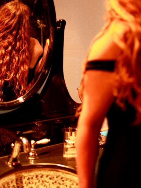 Amber O'HaraExperienced redhead MILF - hot mature sexpot